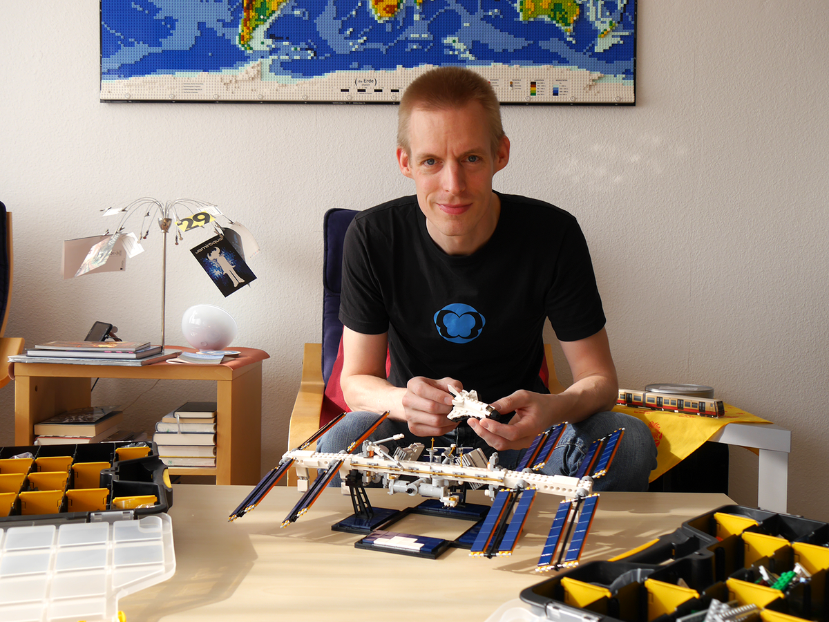 LEGO IDEAS - Blog - 10K Club Interview: Meet Christoph Ruge of the  International Space Station idea