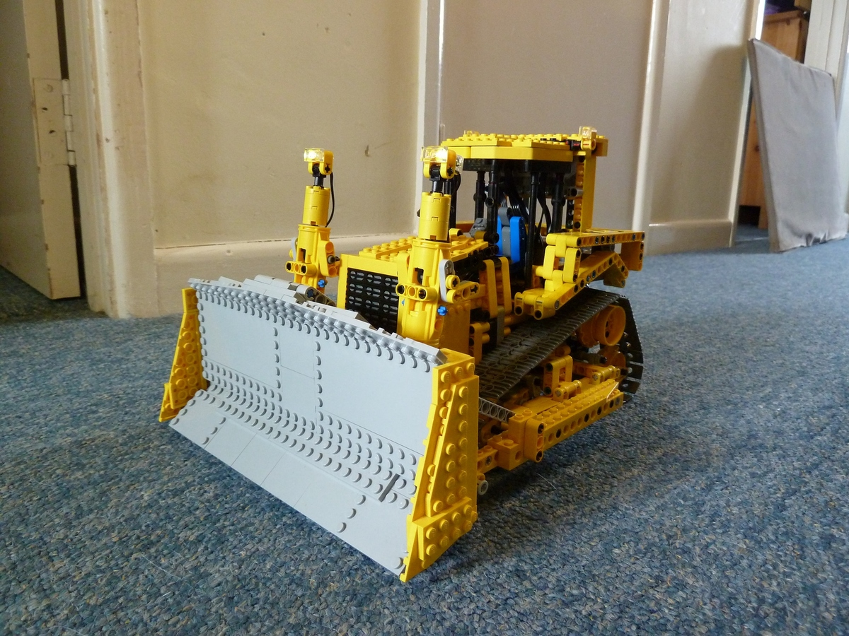 LEGO IDEAS - Product Ideas - CAT D8 Bulldozer