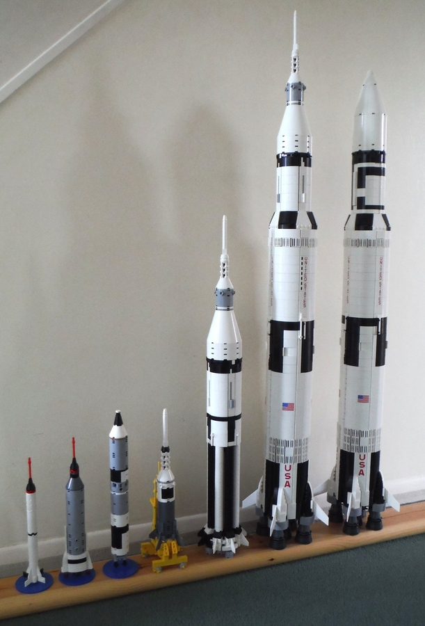 La Saturn V en LEGO! - Page 4 4680803-RealRocketCollection-yl4EdFT-GknnNA-thumbnail-full