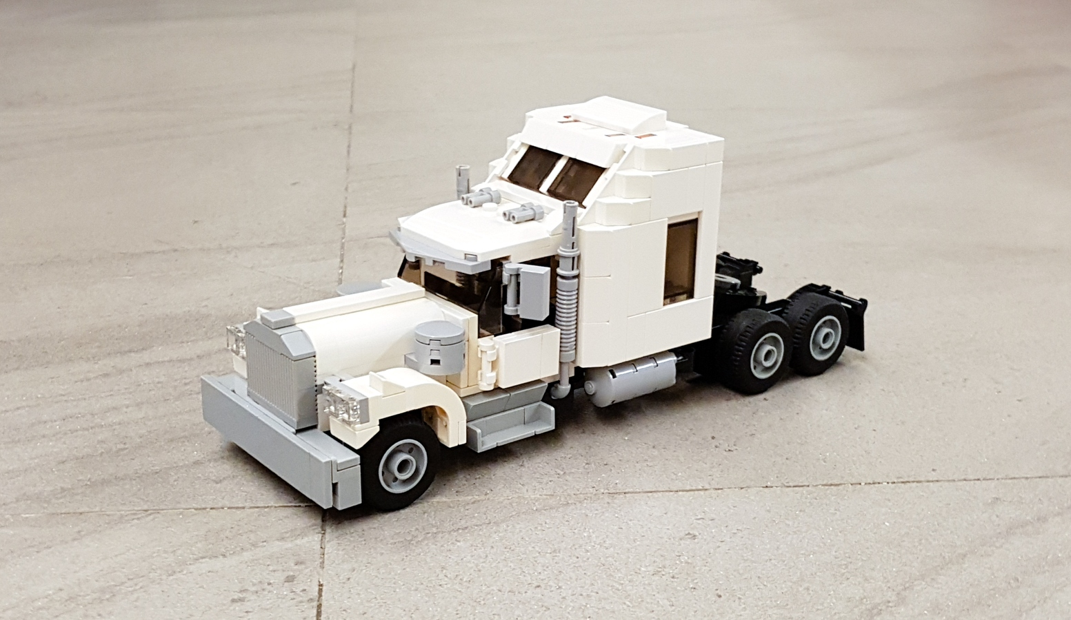 LEGO IDEAS - Classic Semi Truck - Kenworth W900
