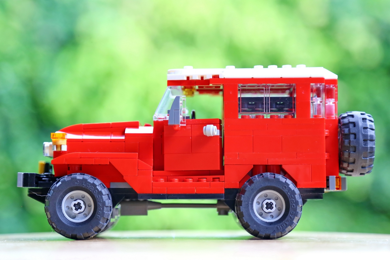 Lego Ideas Product The Adventurous Toyota Land Cruiser Fj40