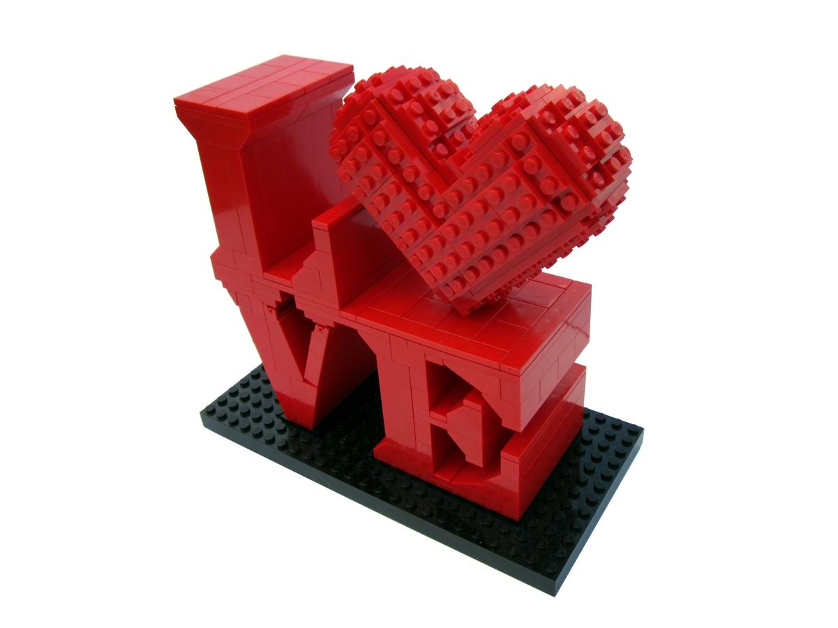 LOVE LEGO
